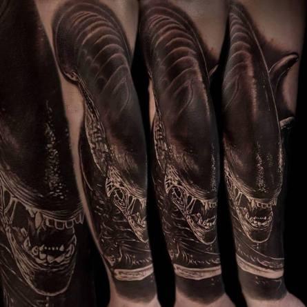 alien, giger, xenomorphe, ridley scott, barbara rosendo, tatouage, realiste, realistic, tattoo, 3d, lille, paris, la bête humaine, need elle